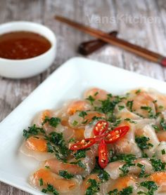 ♥ Blog in Vietnamese: Video cách làm bánh bột lọc    ♥ Watch my video how to make Vietnamese tapioca dumplings on Van's Kitchen Youtub...