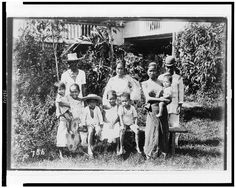 [Filipino family, ten people, posed, on lawn] Filipino Culture, Ancient Beauty, Fashion History, Women's Fashion, Vintage Photos, Philippines, Nostalgia, Poses, People