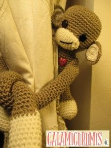 25 Super Ideas for baby gifts original free pattern Crochet Monkey, Love Crochet, Crochet Gifts, Crochet Toys, Crochet Baby, Curtain Tie Backs Diy, Girls Rag Quilt, Crochet Curtains, Diy Baby Gifts