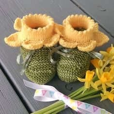 Ravelry: Daffodil Booties pattern by Kathie Popadin