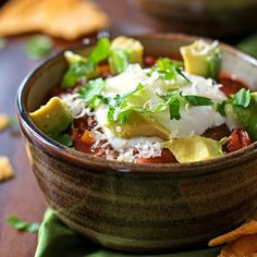 Healthy Slow Cooker Chili! It's quick, easy and simple to prepare because it's cooked in a crockpot.