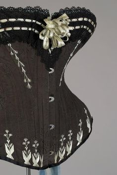 1880s corset from Warsaw, Poland, by M Grochovska