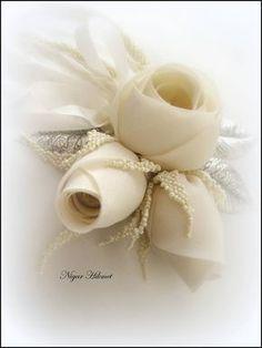 Nigar Hikmet, silk roses, only inspiration Satin Ribbon Roses, Organza Flowers, Cloth Flowers, Fabric Roses, Shabby Flowers, Silk Roses, Diy Flowers, Ribbon Flower, Diy Ribbon