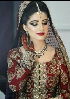 Bridal make up and jewellery