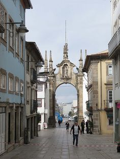 Beautiful Places To Travel, Cool Places To Visit, Camino Portuguese, Braga Portugal, Entry Gates, Small Towns, The Good Place, Travel Destinations, Minho