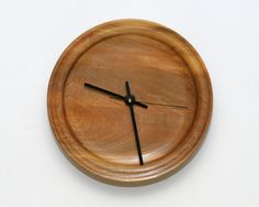 Wall Clock of Red Elm with Edge Detail by WoodArtForLiving on Etsy, $90.00