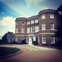 Lovely afternoon with mother at the William Morris Gallery.  All challenge& reward.  A nice walk around.. and an one cream. ;-) #williammorris #williammorrisgallery #london