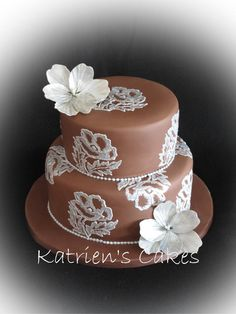 Chocolate mudcake covered with chocolate paste (modelling chocolate), decorated with silver brushed embroidery and open poppies. Beautiful Desserts, Beautiful Cakes, Amazing Cakes, Brush Embroidery Cake, Cake Craft, Modeling Chocolate, Take The Cake, Creative Cakes, Mini Cakes