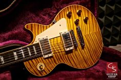 "Beautifully preserved 23 year old gem from the early ""The Good Wood Years"" of the Gibson. The current demand for these Custom Electric Guitars, Custom Guitars, Guitar Shop, Cool Guitar, Fender Custom Shop Telecaster, Gibson Firebird, Gibson Custom Shop, Les Paul Guitars, Les Paul Standard"