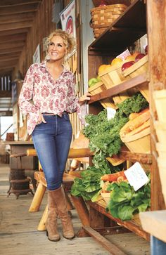 Little Big Town's Kimberly Schlapman Reveals Her Go-To MealsDelish Country Bands, Country Music, Fall Fashion Outfits, Autumn Fashion, Country Female Singers, Little Big Town, Band Outfits, Miranda Lambert, Boards