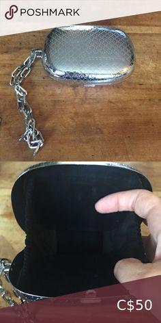 Mini Paco Rabanne Hard Silver Clutch Mini Paco Rabanne Hard Shell Silver Clutch paco rabanne Bags Fringe Crossbody Bag, Leather Backpack Purse, Leather Clutch, Leather Purses, Clutch Bag, Grey Leather, Vintage Leather, Coach Purses, Purses And Bags
