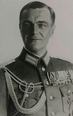 Major Friedrich Paulus, 1931.