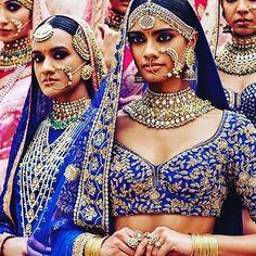 LOVE the #jewelry from @kishandasjewellery Get yours! #indianwedding #hindu #bollywood #faith #fashion #prayyourway #beauty