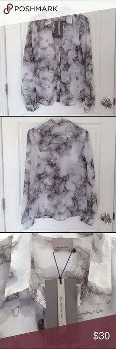 Vero Moda | blouse Beautiful marble design top by Vero Moda. Can be dressed up or dressed down. Simply pair it with some black pants and heels and you're ready for your night out! Or pair it with some white shorts and sandals and hit the beach! 😻 Brand new with tags. Vero Moda Tops Blouses