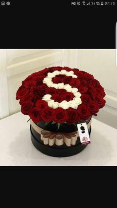 - New Ideas - San Valentino Idee Boquette Flowers, Luxury Flowers, Beautiful Flowers, Flower Box Gift, Flower Boxes, My Flower, S Love Images, Alphabet Wallpaper, Alphabet Design
