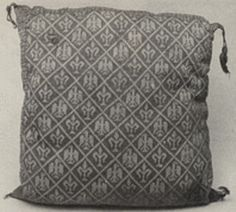 Knitted cushion from the tomb of the infante Fernando de oa Cerda c.1275 (side 1)