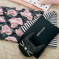 The Emily & Meritt Bed Of Roses Sleeping Bag + Pillowcase #pbteen