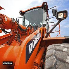 Doosan Equipment EU (@DoosanEquipment)   Twitter Heavy Machinery, Heavy Equipment, Elvis Presley, Tractors, Construction, Trucks, Twitter, Self, Baggers
