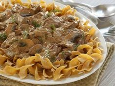 Cabot updated your moms boring beef stroganoff with a Greek Yogurt Sauce, bella mushrooms & paprika. Try this fresh new take a classic beef stroganoff recipe now! Healthy Beef Stroganoff, Stroganoff Recipe, Sauce Recipes, Cooking Recipes, Healthy Recipes, Ww Recipes, Healthy Meals, Healthy Food, Recipies