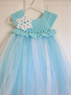 A lovely handmade crochet dress with tulle skirt.%0APerfect for your little princess.%0A%0AI LOVE custom orders if you prefer a different color or size, let me know!%0A%0AAvailable in sizes newborn to 2 years.%0A