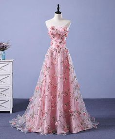 Formal Prom Dresses, Pink Prom Dresses A-line Sweetheart Sweep Train Floral Print Long Lace Prom Dress Whether you prefer short prom dresses, long prom gowns, or high-low dresses for prom, find your ideal prom dress for 2020 Floral Prom Dresses, Elegant Party Dresses, Princess Prom Dresses, Tulle Prom Dress, Cheap Prom Dresses, Homecoming Dresses, Pink Dresses, Dress Party, Pretty Dresses