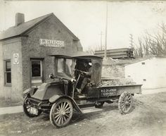 "International Harvester's ""Slope Hood,"" the first modern IHC truck"