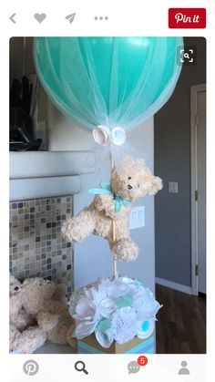 DIY Boy Baby Shower Party Ideas-Twinkle Twinkle Little Toes With a little boy on the way, so much excitement in the air! Have you got a Baby Shower organized? DIY Baby Shower Party Ideas for Boys Here. Idee Baby Shower, Mesas Para Baby Shower, Shower Bebe, Girl Shower, Girl Baby Showers, Baby Shower Wrapping, Baby Shower Cakes Neutral, Baby Gift Wrapping, Baby Shower Diapers