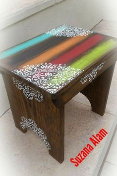 20 wonderful recycling and savings ideas - Diy Möbel Funky Painted Furniture, Painted Chairs, Paint Furniture, Repurposed Furniture, Furniture Makeover, Furniture Ideas, Stencil Diy, Stencil Table, Recycling