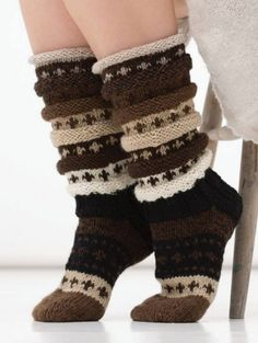 Sjokosokken | Chocolate socks Crochet Socks, Knitting Socks, Baby Knitting, Knit Crochet, Knitted Boot Cuffs, Knit Boots, Knitted Slippers, Knitting Accessories, Mitten Gloves