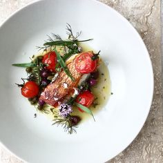 Red snapper with tomatoes, olives and tarragon