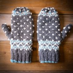 Ravelry: Icy Trails Mittens pattern by Gabrielle Vézina