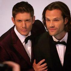 "1,908 Likes, 5 Comments - JensenAcklesFan ❤️ (@jenacklesfan) on Instagram: ""Happy #Supernatural Thursday!! ❤️ #SPN13 #hellatusisover #jensenackles #jensen #ackles…"""
