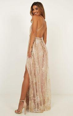 Complete your look with the New York Nights Maxi Dress In Gold from Showpo! Buy now, wear tomorrow with easy returns available. Pretty Prom Dresses, Hoco Dresses, Dance Dresses, Ball Dresses, Cute Dresses, Evening Dresses, Bridesmaid Dresses, Formal Dresses, Awesome Dresses