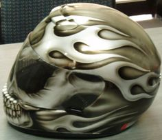 Airbrushing on bikes and helmets by Advanced Airbrushing Sydney - airbrushed bikes - the airbrush experts