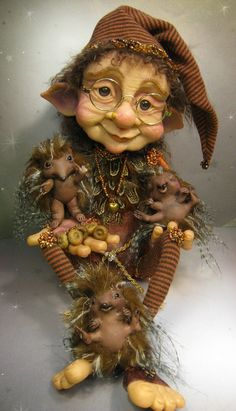 Hedwig & the hedgehogs a collaboration by Mikey O'Connell and Carie Shoen – Schnitzerei Elves And Fairies, Clay Fairies, Woodland Creatures, Magical Creatures, Elfen Fantasy, Art Manga, Kobold, Clay Dolls, Fairy Art