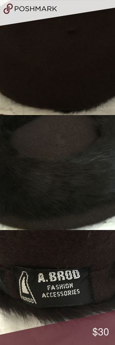 Beret with black fur on the edge, never worn Chic versatile vintage 100% wool A. Brod Accessories Hats