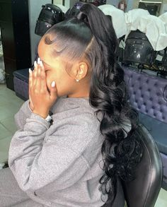 # Braids with weave colour 𝐏𝐈𝐍𝐓𝐄𝐑𝐄𝐒𝐓: 𝐓𝐫𝐨𝐩𝐢𝐜_𝐌 🌺 Weave Ponytail Hairstyles, Baddie Hairstyles, Black Girls Hairstyles, Pretty Hairstyles, Straight Weave Hairstyles, Beach Hairstyles, Men's Hairstyle, Headband Hairstyles, Curly Hair Styles