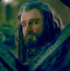 Thorin behind the Erebor battlements