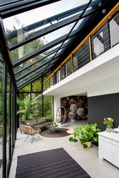 Extension Veranda, House Extension Design, Interior Architecture, Interior And Exterior, Interior Garden, House Extensions, Tropical Houses, Glass House, House Goals