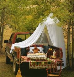 Take a romantic picnic with you. Too fabulous!