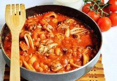 Как приготовить паста с морепродуктами в томатном соусе - рецепт, ингридиенты и фотографии