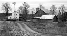 Photo by David Fisk of an Amish farm in Sullivan, Oh