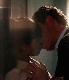 kerry washington kissing a woman