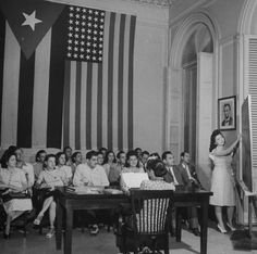 Cuba en 1945 - One of many schools in Cuba you where taught English Vintage Cuba, Vintage Travel, Us Images, Free Images, Cuba Today, Cuba Culture, Nostalgia, Teaching English, Black