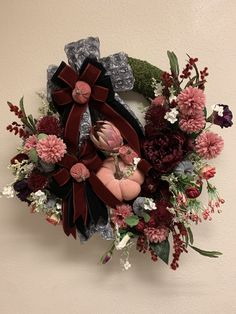 #fallwreath #pumpkins #bow #ribbons #luxury #interiordecor #walldecor #foyer #mirrordecor #thanksgivingdecor #homedecor #door #wreath #fall #etsy #etsyseller #etsyshop #etsyfinds #google #freeshipping #oneofakind #designer #holidazedecor #holidaydecor #florals #fallflowers #instagood #instalike #wreathmaker #follow #family #home #gifts #pin