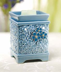 Forget Me Not Warmer. Charitable Warmer for Spring / Summer Help fight Alzheimers disease. A portion of each warmer sold will be sent to the Alzheimer's foundation! The Cure, Teacher Favorite Things, My Favorite Things, Little Flowers, Blue Flowers, Forget Me Not, Scentsy, Charity