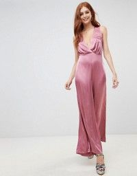 Buy New Look Wide Leg Low Cut Jumpsuit at ASOS. With free delivery and return options (Ts&Cs apply), online shopping has never been so easy. Get the latest trends with ASOS now. New Look Jumpsuit, Pink Jumpsuit, Embellished Jumpsuit, Fashion Clothes Online, Latest Clothes, Pop Fashion, Jumpsuits For Women, Wide Leg, Asos