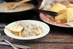 Creamy gluten-free sausage gravy is simple to make, full of flavor, and perfect over fresh gluten- free biscuits. Gluten Free Gravy, Gluten Free Biscuits, Gluten Free Recipes, Sausage Gravy Recipe, Savory Breakfast, Healthy Choices, Food To Make, Yummy Food, Fresh