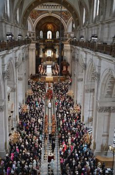 nside St Paul's Cathedral for the Diamond Jubilee Service of  Thanksgiving, London, 5 June 2012.© Press Association