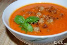 De mai mult timp ma gandesc sa incerc o astfel de reteta, dar imi era frica sa nu fac pur si simplu un bulion de rosii, adica cel putin asa auzeam eu cand mi se spunea de supa de rosii. In plus vroiam o reteta simpla, care se prepara rapid, fara multe operatiuni pregatitoare. Da, si se pare ca mi-am gasit reteta perfecta - este o reteta de supa crema italieneasca, iese intr-adevar o supa cu gust foarte bun si complet - nu cu gust de bulion de rosii :) V-o recomand, este delicioasa si rece si…